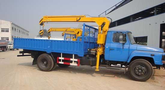 东风140-47随车吊(吊3.2吨)