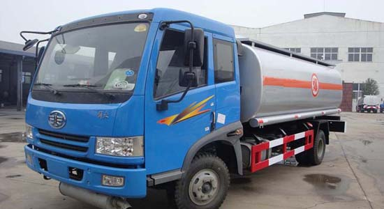 解放单桥加油车(8-10立方)