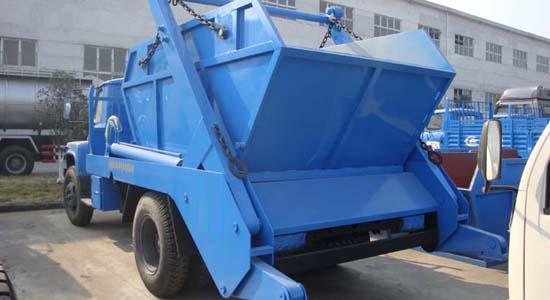 东风140摆臂式垃圾车(6立方)图片