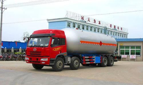 解放前四后八液化气体运输车(35.5立方)