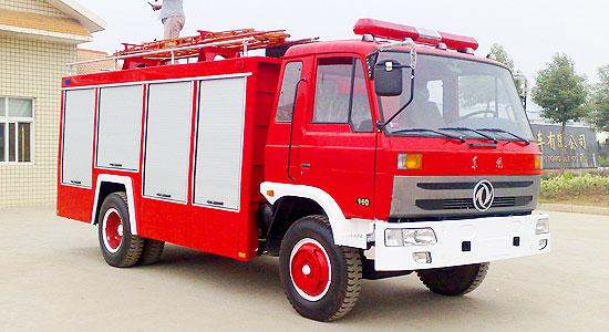 东风145单排水罐消防车